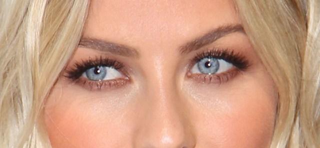Makeup Tricks For Blue Eyes 5 Amazing Makeup Tips For Blue Eyes The Beauty Bridge Connoisseur