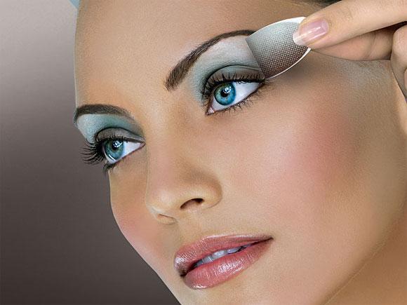 Makeup Tricks For Blue Eyes Important Eye Makeup Tips For Blue Eyes