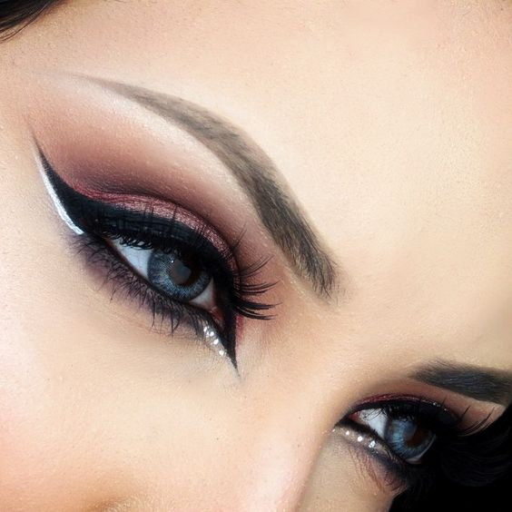 White And Pink Eye Makeup Pink Eye Makeup With Black And White Accents Ladystyle
