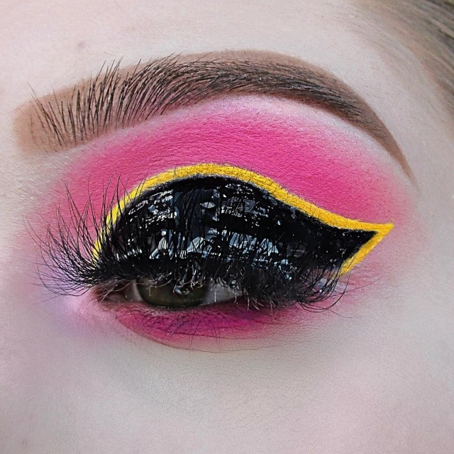 Yellow And Black Eye Makeup 25 Wonderful Wet Look Makeup Ideas For A Hot Summer Wild About Beauty