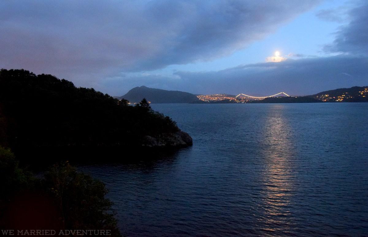 lake_night_wm