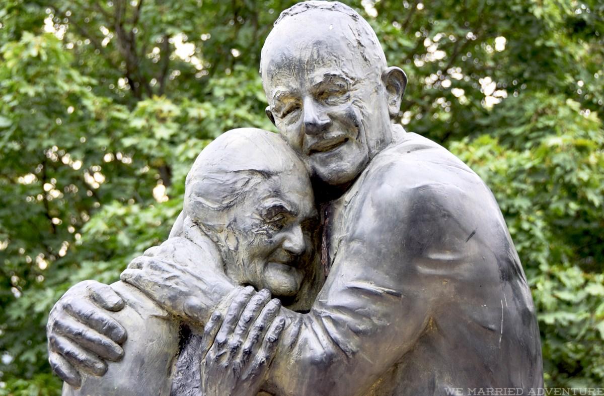 holocaust_statue_wm