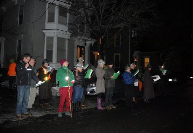 West End Carolers singing in the streets!