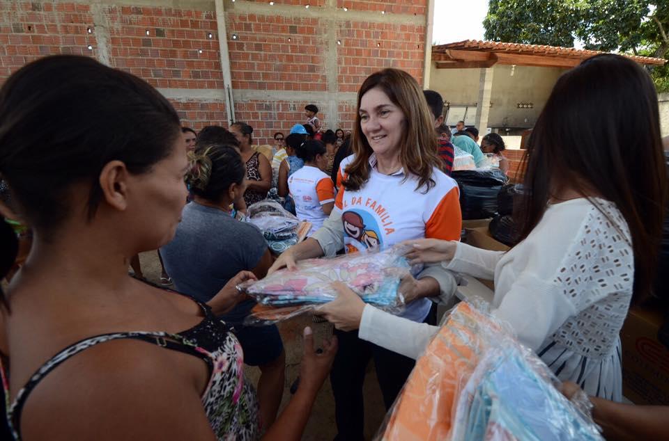 Primeira-dama Terezinha Maia, finaliza campanha dos lençóis com mais de 20 mil doações