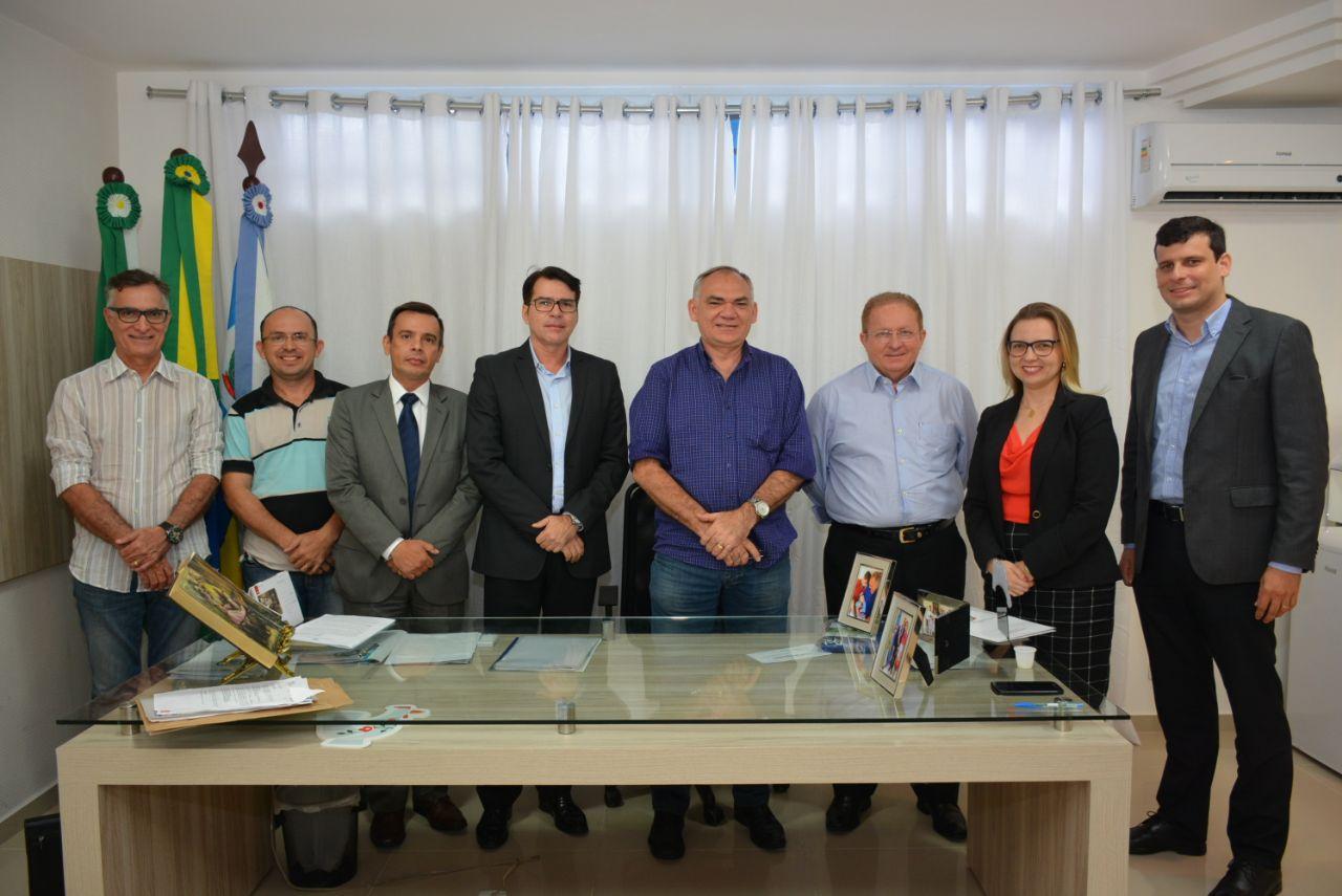 Prefeito assina convênio para instalar Defensoria Pública em São Gonçalo