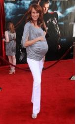 Wendy Braun 9 months pregnant at Thor Premiere