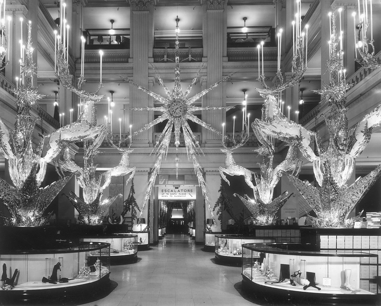 Marshall field 39 s historic christmas decorations wendycity for Xmas decoration stores