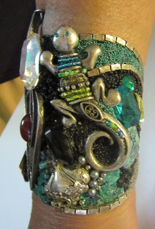 Vintage Silver Turquoise Cuff Bracelet with salamander by fashion jewelry designer Wendy Gell, 1985 - salamander detail