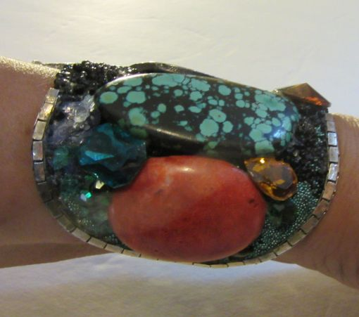 Vintage Silver Turquoise Cuff Bracelet with salamander by fashion jewelry designer Wendy Gell, 1985 - turquoise detail