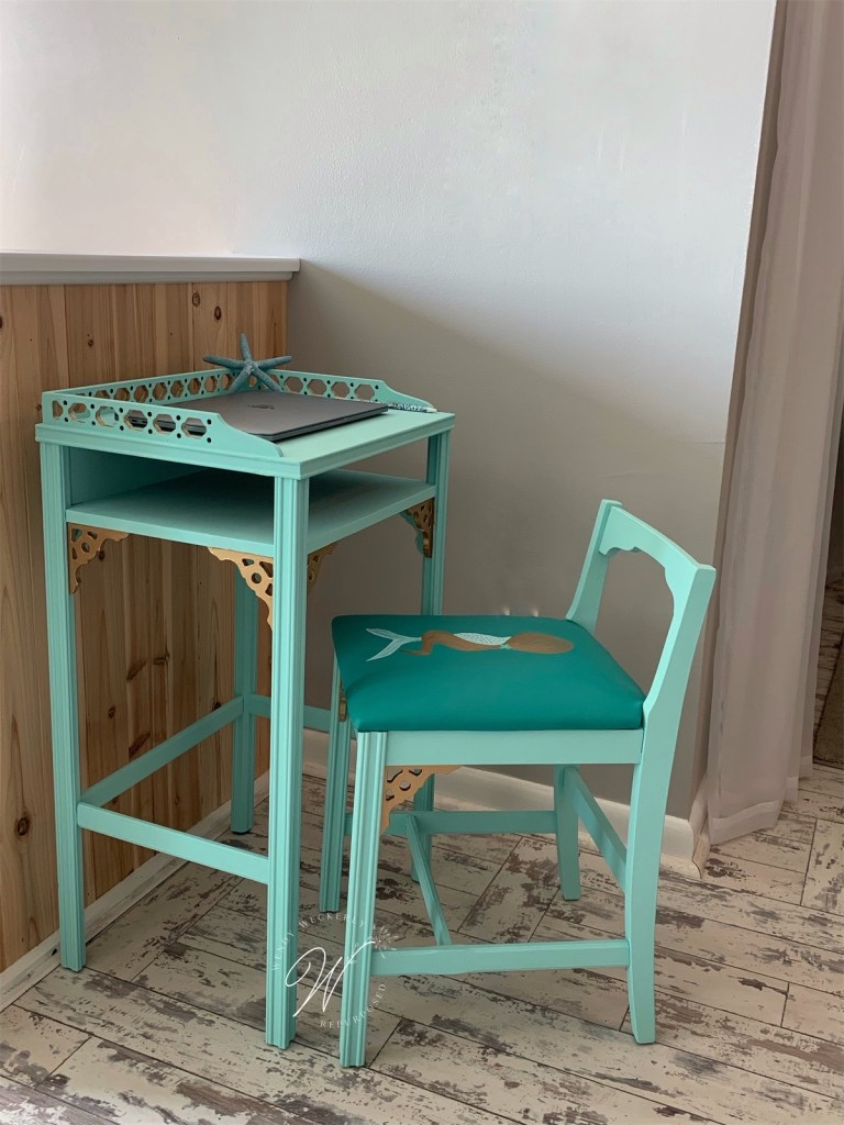 small beach desk and chair