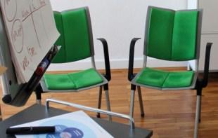 Beratungsraum mit Beamer und Flipchart für bis zu 12 Personen.