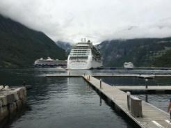 Drei Kreuzer und der Fjord ist voll.
