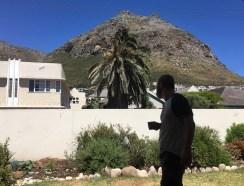Der Blick von unserer Terrasse auf den Muizenberg