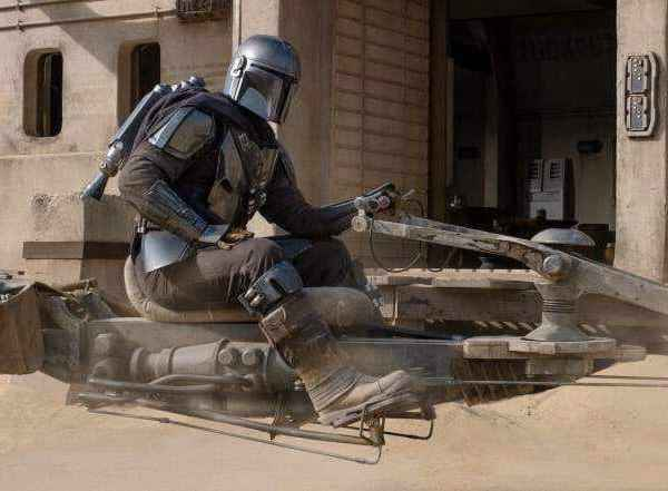 """""""The Mandalorian"""" – Season 2: What time does the first episode premiere?"""