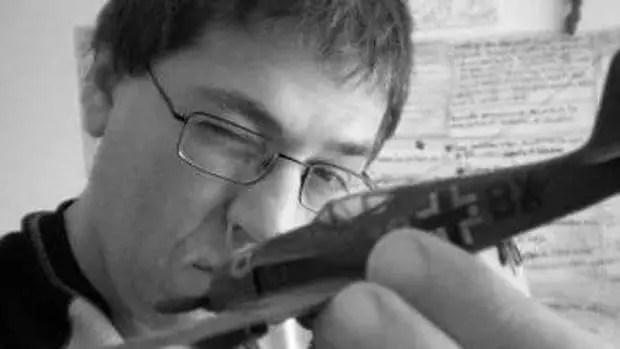Argentine Writer Carlos Busqued Dies At 50