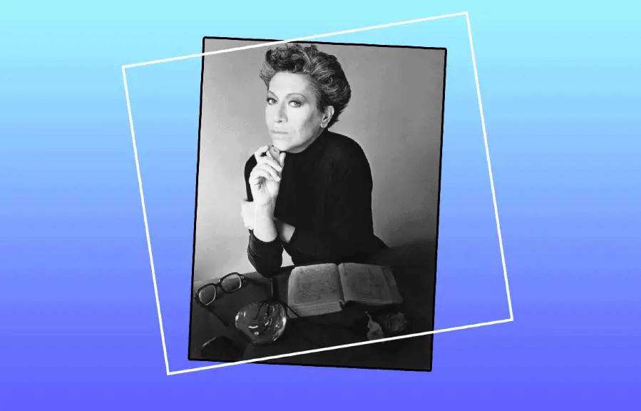 Elsa Peretti, Model And Designer At Tiffany & Co., Dies.