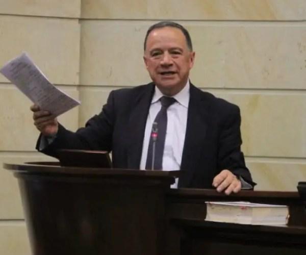 Conservative Senator Eduardo Enríquez Maya Dies