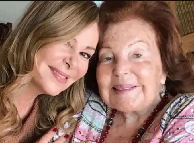 Ana Obregón's Mother Dies At 95