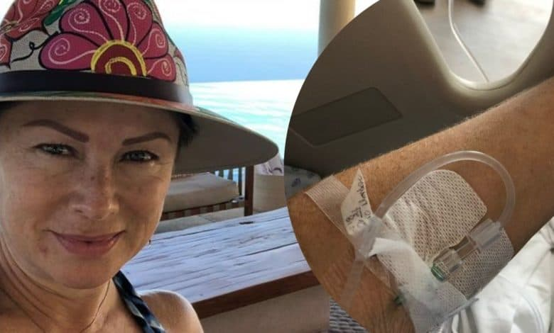 Leticia Calderón Publishes A Photo From A Hospital Bed And Worries Fans For Her Health