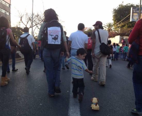 oaxaca_niño_ayotzinapa