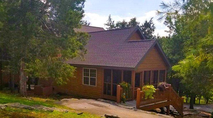 Cozy Cedar Lodge 2