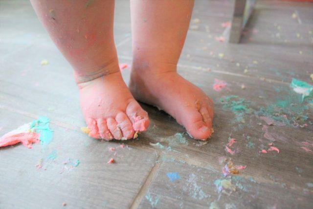 Cake Smash Messy Toes