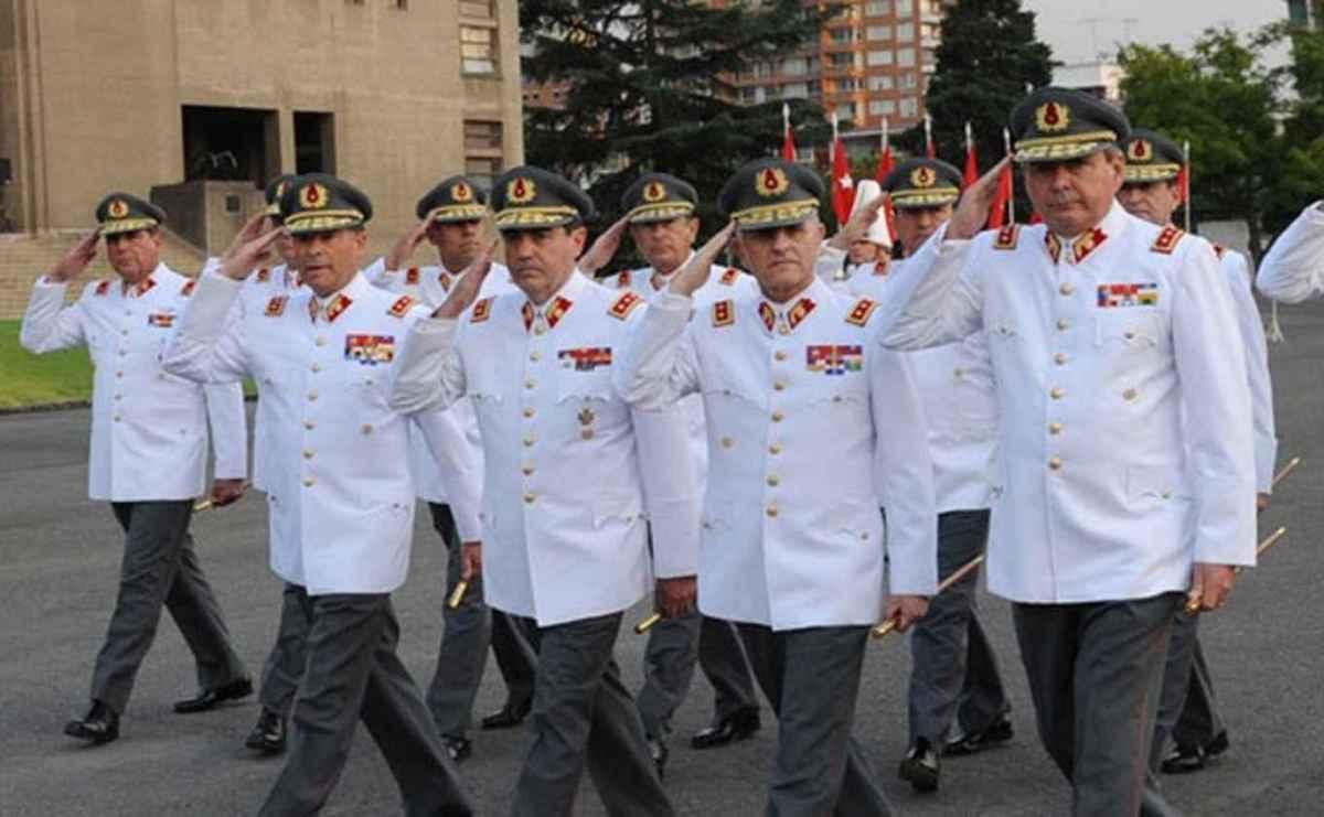 Día del Ejército: Las Propuestas de Mayol para las FFAA. Un debate Pendiente de la sociedad chilena.
