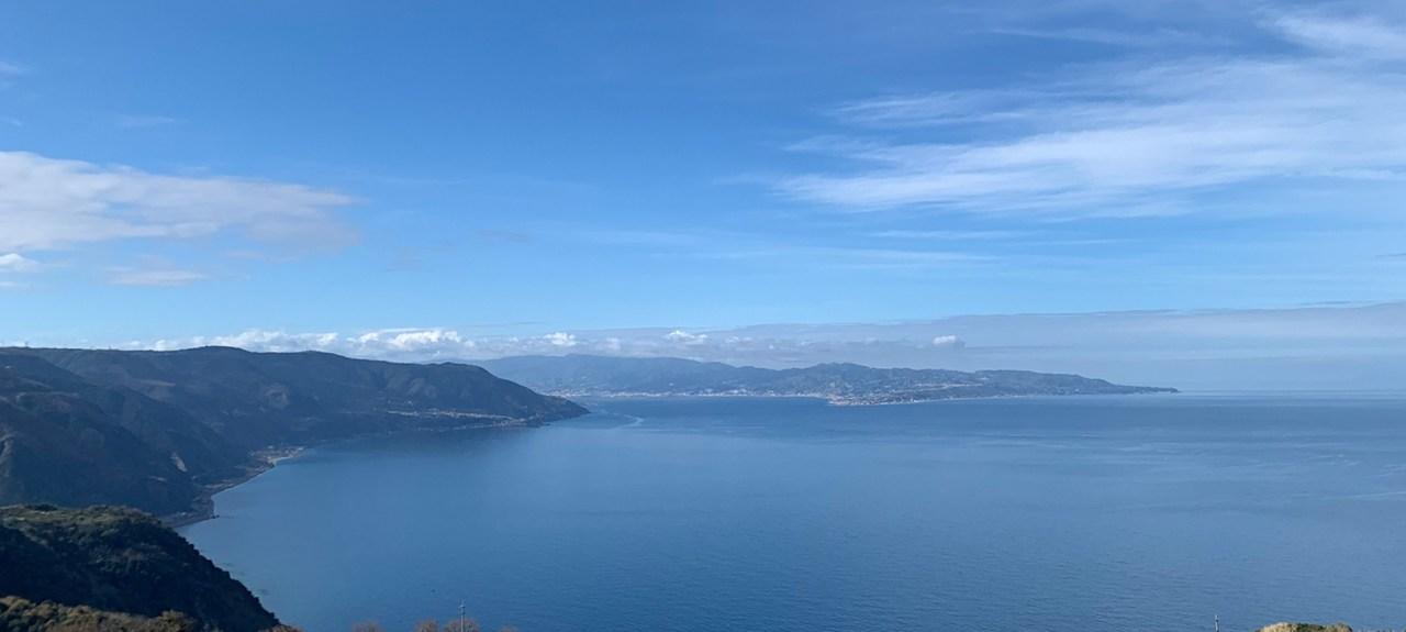 Kalbrien mit Blick auf Sizilien