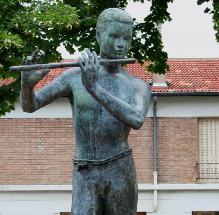 Guillaume Werle, Bronze 2000, N°1sur8, Le Jeune Homme à la Flûte. Photo G.Werle. Tous droits réservés..