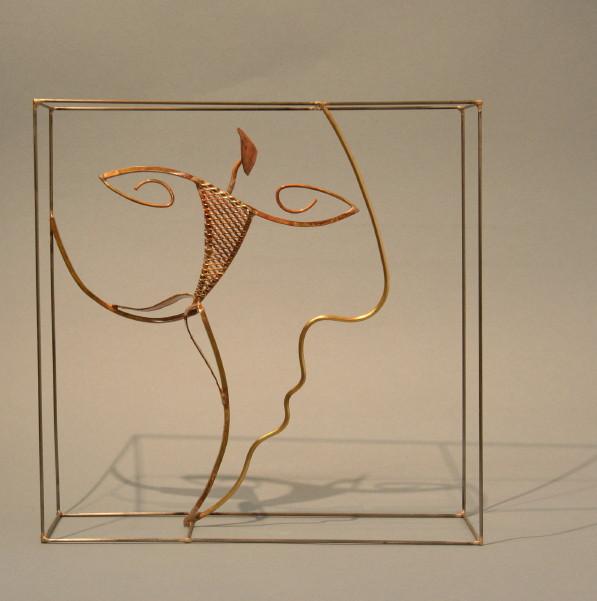 Sculpture de Guillaume Werle, En Avant, acier, bronze, laiton. Une des sculptures de la série des assemblées