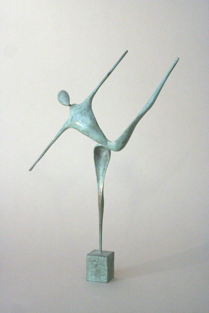 Tilt, bronze à patine verte nuancée représente une danseuse dans la position du tilt, Guillaume Werle