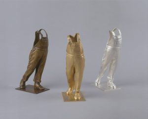 Trophée Coluche, la Salopette d'or, sculptures en bronze doré, argenté, et bronze médail, guillaume Werle