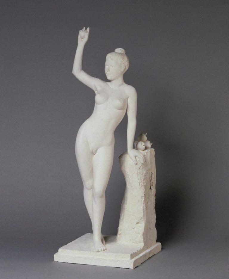 Sculpture originale en plâtre de Guillaume Werle, Eve aux Pommes a été créée en 2000