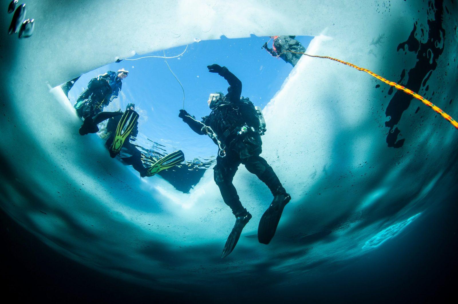 Plongée sous un lac de glace, speed riding, snowkite… Découvrez les meilleurs spots pour des vacances sensationnelles à tout point de vue !