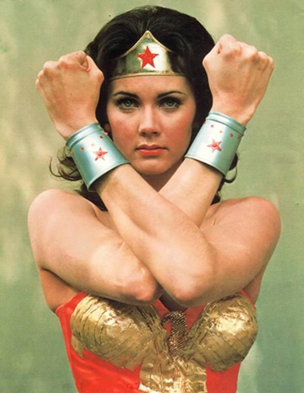 Lynda-Carter-Wonder-Woman-04