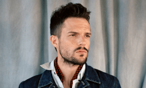 Brandon Flowers is a lot more fine these days!  DAMN!