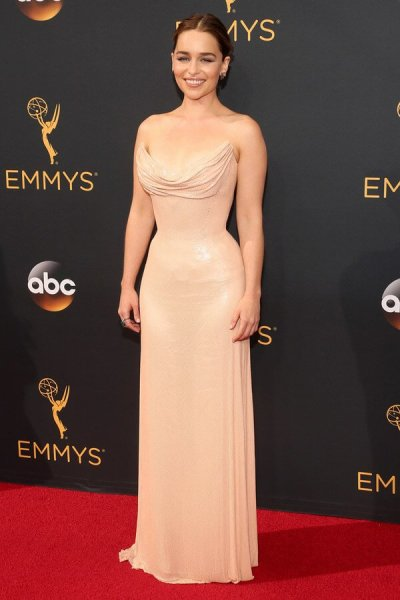 emmys-2016-all-the-red-carpet-looks-ss13