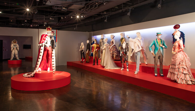 "A Haute Second with Spencer: The 27th ""Art of Motion Picture Costume Design"" Exhibition 82"