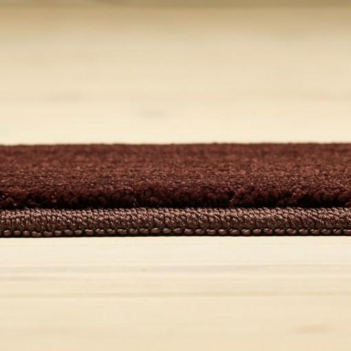 burgundy farvet tæppe fra WeRug løst tæppe med kant