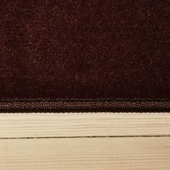 mørkt korthåret tæppe med kant