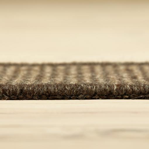 mørkebrunt tæppe med kant i uld