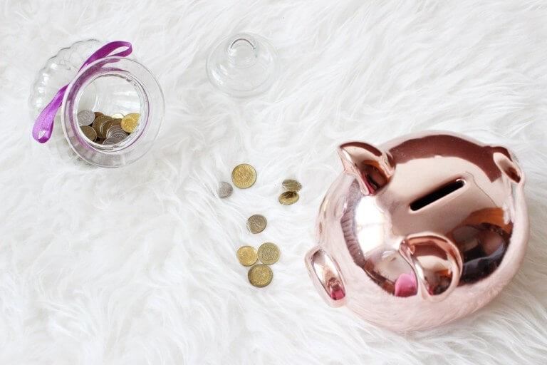 Jak przestać wydawać pieniądze? Ponad 70 sposobów na oszczędzanie pieniędzy
