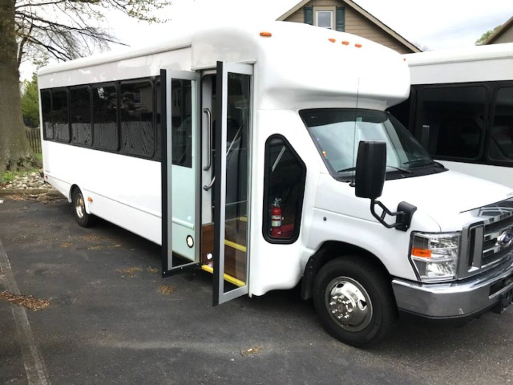 medium resolution of new 2018 starcraft mvp ford e 450 shuttle bus for sale