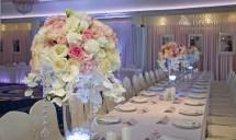 bukiety na stołach - wesele w Hotelu Faltom
