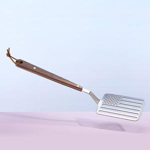 feature_riley-wasserman-star-spangled-spatula