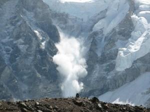 avalanche-552114_1280