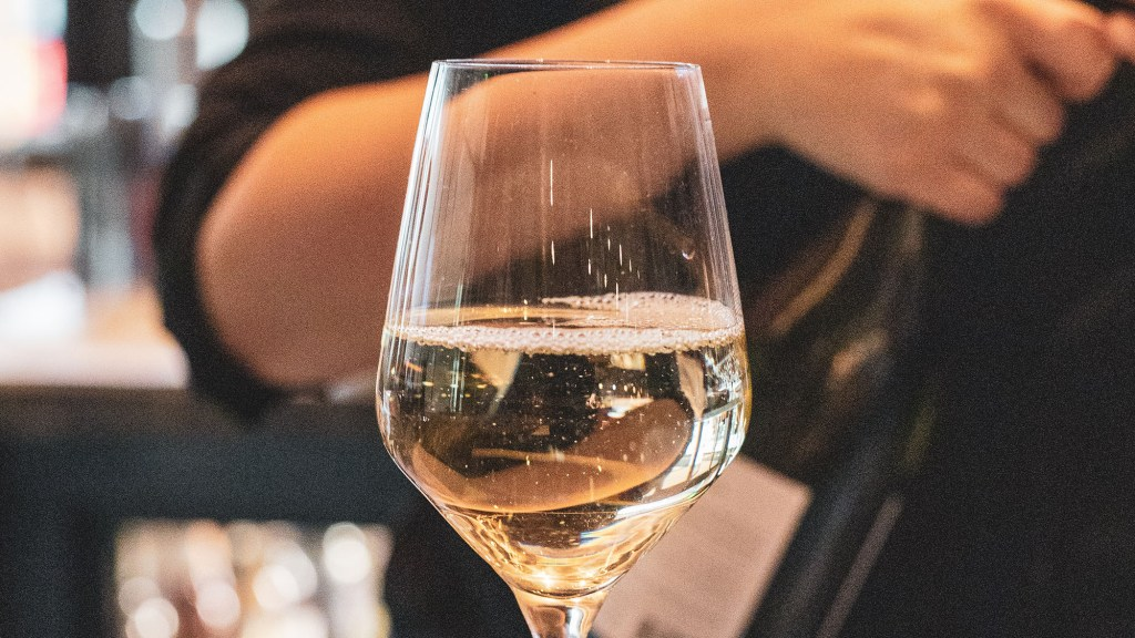 What Is The Driest White Wine? The Complete Guide