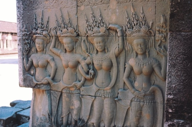 zdobienia Angkoru - płaskorzeźby w Angkor Wat - Dewaty