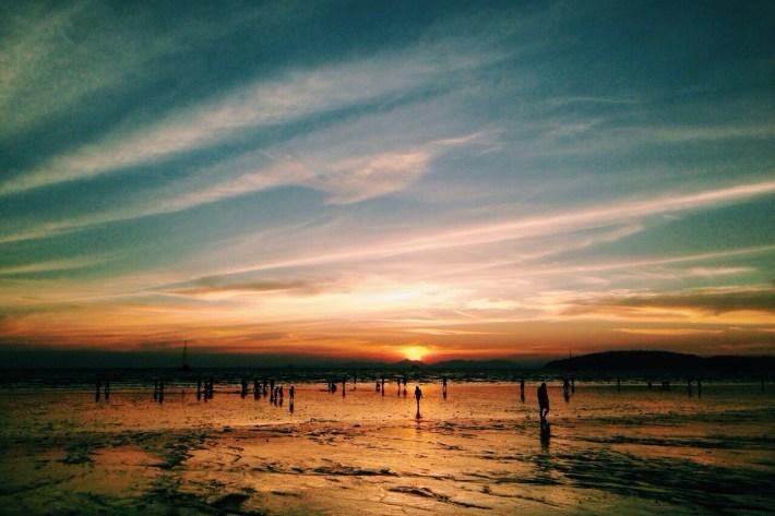 pierwszy zachód słońca na południu Tajlandii