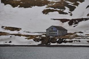 Grumant - resztki rosyjskiej osady między Barentsburgiem a Longyearbyen